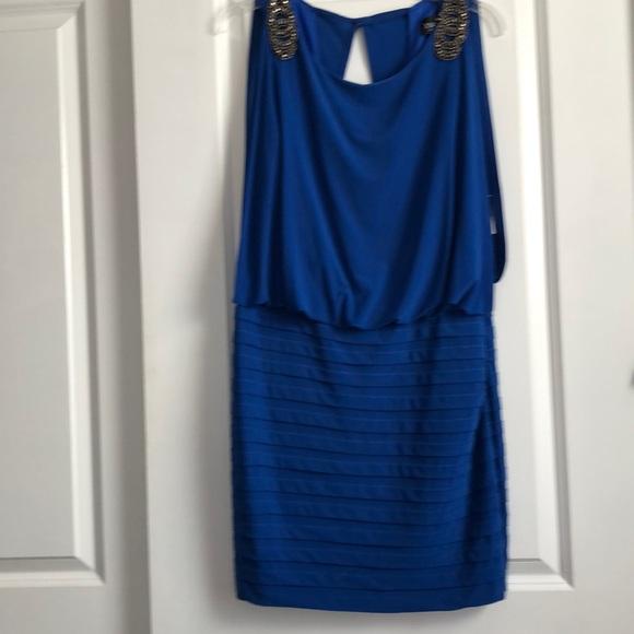 Xscape Dresses & Skirts - Gorgeous blue dress!!🔥